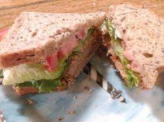 """""""Chicken"""" Sandwich, Vegan"""