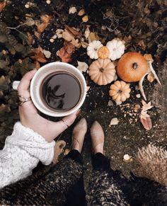 cozy Fall Mug Foto Casual, Autumn Cozy, Autumn Feeling, Autumn Aesthetic, Foto Instagram, Autumn Instagram, Instagram Ideas, Happy Fall Y'all, Fall Pictures