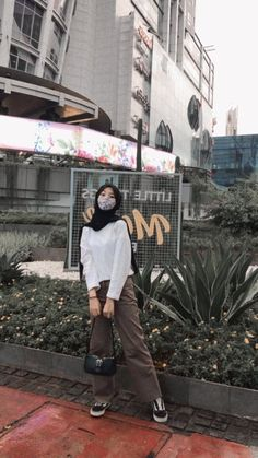 Modern Hijab Fashion, Street Hijab Fashion, Hijab Fashion Inspiration, Korean Girl Fashion, Muslim Fashion, Stylish Hijab, Casual Hijab Outfit, Ootd Hijab, Girl Hijab