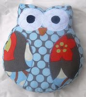 This is a cute owl to make out of the extra fabric I bought (orange damask, orange dots, gray vinca)
