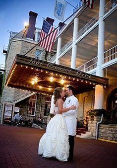 Small eureka springs arkansas wedding