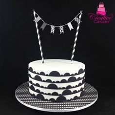 Black & White Monochrome Cake. #creativecakeryadelaide #monochromecake #blackandwhitecake #cake