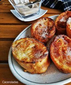 Torrijas al horno con azúcar y canela | CACEROLADAS: Torrijas al horno con azúcar y canela Fun Desserts, Delicious Desserts, Dessert Recipes, Cooking Time, Cooking Recipes, Caramel Dip, Good Food, Yummy Food, Brunch
