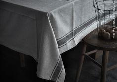Kies voor een authentieke stijl in je keuken. Tafellaken VARDAGEN #IKEABE