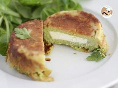 A soft cake which ally this great vegetable that is zucchini with a creamy cheese core. Easy Meals For Kids, Kids Meals, Salty Foods, Creamy Cheese, Cooking Recipes, Healthy Recipes, Vegetarian Cheese, Sweet Recipes, Tapas