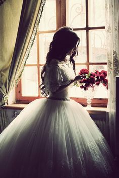 Gorgeous, retro wedding gown..too poofy for me, but gorgeous!!