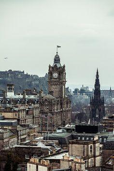 Wonderful Edinburgh http://www.travelandtransitions.com/destinations/destination-advice/europe/