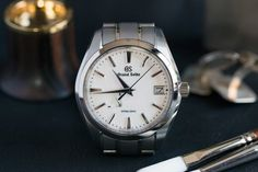 A Week On The Wrist: The Grand Seiko Spring Drive Snowflake Modern Watches, Luxury Watches For Men, Color Borgoña, Custom Design Shoes, Expensive Watches, Seiko Watches, Wrist Watches, Beautiful Watches, Leather Accessories