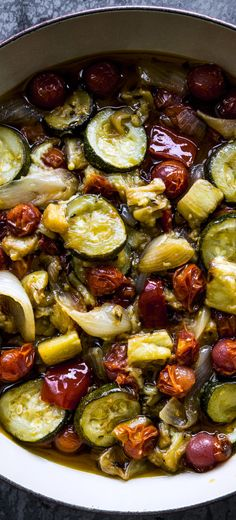 Ratatouille recipe: This classic French dish is really all about the vegetables. Vegetable Sides, Vegetable Recipes, Vegetarian Recipes, Cooking Recipes, Healthy Recipes, Dishes Recipes, Classic French Dishes, French Food, Gastronomia