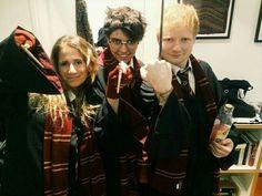 Ed Sheeran com sua namorada Cherry .
