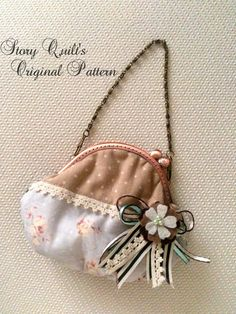 Story Quilt's original bag / pouch / sewing pattern      https://www.etsy.com/listing/194226280/story-quilt-cute-and-puffy-shabby-chic?ref=ss_listingref=ss_listing  applique, patchwork, quilt, handmade, purse pattern, bag pattern, corsage, shabby chic, clutch purse, pouch pattern