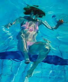 Self Portraits of Realistic Underwater Paintings. To see more art and information about Sarah Harvey click the image.