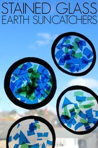 These Earth suncatchers are an easy craft for kids thats perfect for Earth Hour or Earth Day celebrations and theyre great for fine motor skills too. These Earth suncatchers are a Earth Day Projects, Earth Day Crafts, Earth Craft, Nature Crafts, Art Projects, Earth Day Activities, Art Activities, Space Activities For Kids, Physical Activities