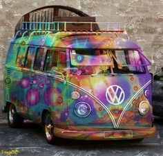 The magical Hippie bus - combi - vw - volkswagen - camping car Volkswagen Bus, Vw Camper, Vw Caravan, Vw T1, Campers, Combi Hippie, Hippie Love, Hippie Style, Hippie Peace