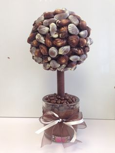 Sweet creations Guylian sweet tree Sweet Trees, Cupcake Ideas, Food And Drink, Craft Ideas, Diy Crafts, Chocolate, Gifts, Flowers, Favors