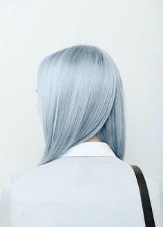 Cheveux bleu pastel