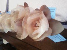 Flores em organza - lembrancinha de casamento!
