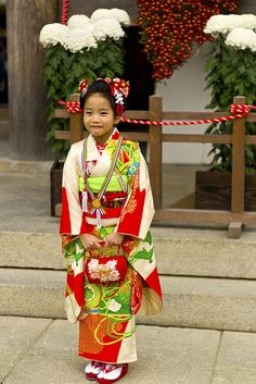 Japanese Kimono Girl ...... Also, Go to RMR 4 awesome news!! ...  RMR4 INTERNATIONAL.INFO  ... Register for our Product Line Showcase Webinar  at:  www.rmr4international.info/500_tasty_diabetic_recipes.htm    ... Don't miss it!