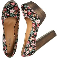 Floral Wood Platform (€2,63) ❤ liked on Polyvore featuring shoes, pumps, heels, zapatos, sapatos, flower print shoes, floral print pumps, wet seal, floral pumps and wood heel shoes