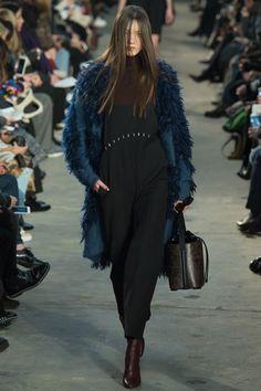 Phillip Lim Fall 2016 Ready-to-Wear Collection Photos - Vogue Fashion Week, New York Fashion, Runway Fashion, Fashion Show, Girl Fashion, Fashion Design, 3.1 Phillip Lim, Vogue Paris, Fall 2016
