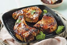 The sweet and savoury flavour combination of cranberries and barbecue sauce is the perfect complement to these delicious skillet pork chops.  This simple recipe is sure to become your new go-to favourite.