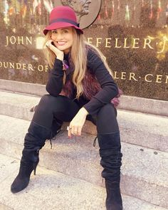 "Aura Cristina Geithner Cuesta #2016                               ""La felicidad depende de ti"".#atrevete #alegriadevida #hapiness +Despertar Contigo TV #NY #enjoy"