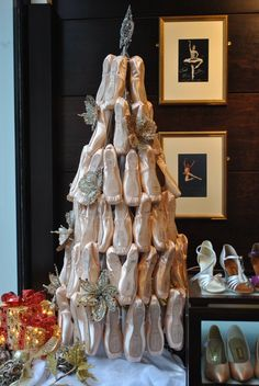 Freed pointe shoe Christmas tree at the Freed of London flagship store, Covent Garden. Ballerina Costume, Ballet Costumes, Music Drawings, Music Artwork, Merry Christmas, Christmas Dance, Pointe Shoes, Ballet Shoes, Music Box Ballerina