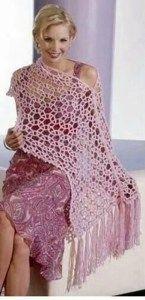 Châle au crochet transformable en poncho - La Grenouille Tricote