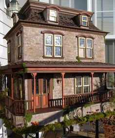 The Lily Victorian Dollhouse by minis on the edge.