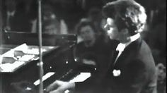 Rachmaninoff plays Piano Concerto 2 - YouTube