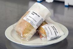 BESSERDRUCKEN: Verpackte Lebensmittel vorschriftsgemäss und attra... Snack Recipes, Snacks, Ciabatta, Chorizo, Scanner, Fresh Rolls, Baguette, Chips, Ethnic Recipes