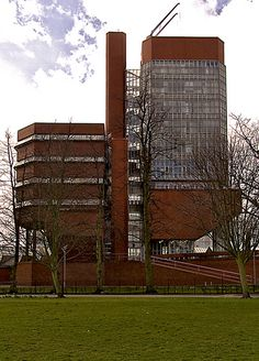 Stirling & Gowan. 1959-63. University of Leicester. Engineering Building. Leicester. UK.
