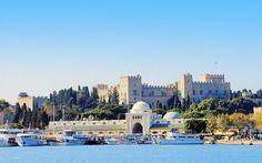 Rhodos by er fyldt med spændende historie. Se mere på www.apollorejser.dk/rejser/europa/graekenland/rhodos
