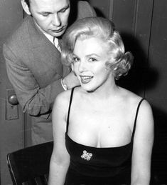 "Marilyn Monroe with hairdresser Kenneth Batelle in Chicago for the promotional tour of ""Some Like It Hot"", 1959."