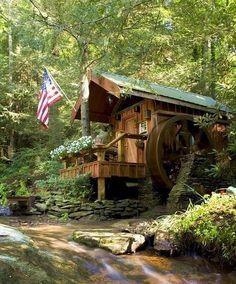 8 Foot Water Wheel Hendersonville - North Carolina - USA