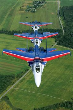 The reason why 'Russian Knights' is one of the best aerobatic teams in the world - Russia Beyond Aircraft Parts, Fighter Aircraft, Military Jets, Military Aircraft, Air Fighter, Fighter Jets, British Aerospace, Aerial Acrobatics, Aircraft Painting