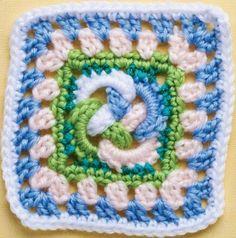Top Unusual Granny Squares on Mooglyblog.com! ༺✿ƬⱤღ  https://www.pinterest.com/teretegui/✿༻