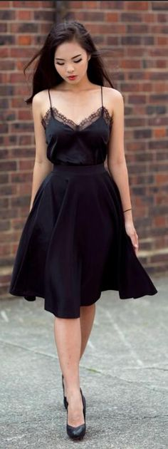 Sexy A-Line Spaghetti Straps Black Knee-Length Homecoming Dress With Lace