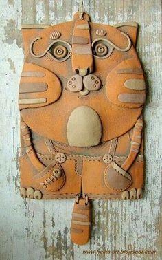 Cat Panel by Helena Miciajewa, fireclay red clay, acrylic Hand Built Pottery, Slab Pottery, Ceramic Pottery, Pottery Art, Clay Art Projects, Ceramics Projects, Polymer Clay Projects, Ceramic Animals, Clay Animals