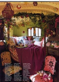Beautiful bohemian style bedroom....I would love to have a room like this someday when I own a house, I don't think landlords would like me to do this in a house I'm renting :-)