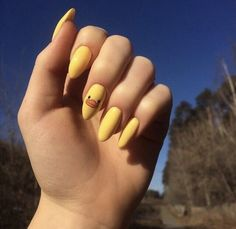 55 special summer nail designs for an exceptional .- 55 special summer nail designs for an extraordinary look The best nails for spring 2019 2 … # extraordinary - Edgy Nails, Stylish Nails, Minimalist Nails, Summer Acrylic Nails, Best Acrylic Nails, Acrylic Nails Yellow, Nail Swag, Yellow Nail Art, Spring Nail Colors