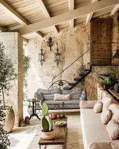 Looks like a house I'd like to have in Lebanon Sieht aus wie ein Haus, . Looks like a house I'd li Outdoor Rooms, Outdoor Living, Backyard Patio, Patio Stone, Flagstone Patio, Concrete Patio, Patio Table, Tuscan Decorating, Best Interior