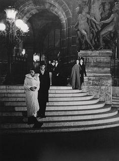 Opera House Paris Photo: Brassai, don't you wish you could have been there? Alberto Giacometti, Old Paris, Vintage Paris, Retro Vintage, Vintage Style, Henri Matisse, Vintage Photographs, Vintage Photos, Rue Rivoli