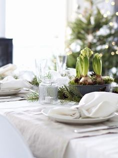 white Christmas table ideas