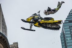 #Snowmobilejumping downtown #Montreal #375mtl