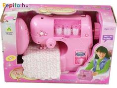 Javítsd meg a szakadt ruhákat a rózsaszín varrógéppel! Az Elemes varrógép egy rózsaszín, műanyagból készült gép, amivel meg tudod foltozni sérült ruháidat, vagy újat is tudsz varrni! A varrógép egy pedállal indítható el, a gép továbbítja a szövetet, miközben a tű fel-alá mozog. A spulnikat ki tudod cserélni a varrógép oldalán, a cérnát a tűknél is be tudod fűzni. Az Elemes varrógép készlet egy darab mintás szövetet is tartalmaz, amin gyakorolhatod a varrási technikákat! A játék 3 db AA… Ale, Sewing, Products, Dressmaking, Couture, Ale Beer, Stitching, Sew, Costura
