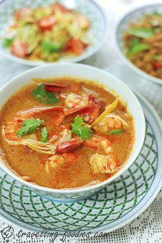 ต้มยำกุ้ง Tom Yum Goong Thai Sour and Spicy Prawn Soup