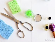 The Ingenious Uses Of Common Kitchen Sponges  Need sponges? http://fixfind.com/Home/ProductInquiry.aspx?Ref=Search&Keyword=sponge #home #kitchen #sponge #hack #DIY