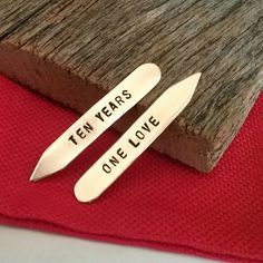 Anniversary Collar Stay Tenth Anniversary Gift Ten Years One Love Collar Stiffeners Husband Gif Valentine Gifts For Husband, Unique Valentines Day Gifts, Valentines Day Wishes, Christmas Gifts For Husband, Tenth Anniversary Gift, Boyfriend Anniversary Gifts, Boyfriend Gifts, Happy Aniversary, Himiko Toga