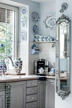 25 Small Kitchen Decor Ideas On a Budget to Maximize Existing the Space, 25 Small Kitchen Decor Ideas On a Budget to Maximize Existing the Space ♡ kitchen Wonderful French Country Living Room Decor Ideas Country Kitchen Designs, French Country Kitchens, French Country Living Room, Country French, French Blue, Small French Country Kitchen, French Decor, French Country Decorating, French Kitchen Decor